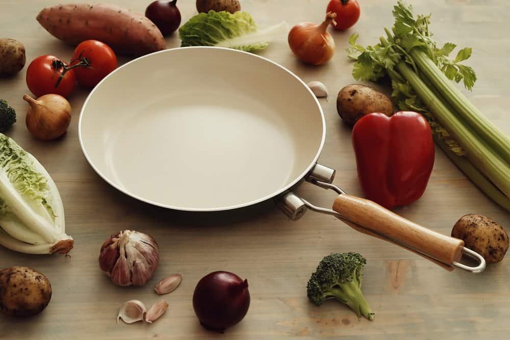 ceramic frying pan